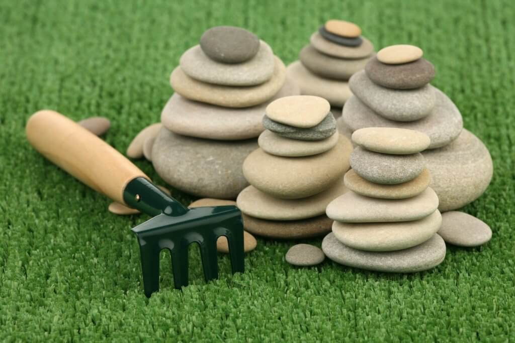 pebble outting green